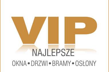 Brama garażowa i drzwi wewnętrzne firmy Hörmann wyróżnione w programie:  VIP Najlepsze Okna Drzwi Bramy Osłony 2020
