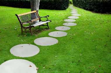 Koło Trawertyn z kolekcji Libet Completto – nowy wymiar ścieżek ogrodowych