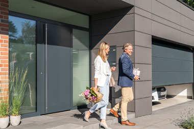 Nowy wymiar elegancji.  Drzwi zewnętrzne ThermoPlan Hybrid firmy Hörmann