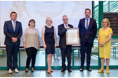 Hörmann Polska sp. z o.o. z certyfikatami  Biura Promocji Gospodarczej