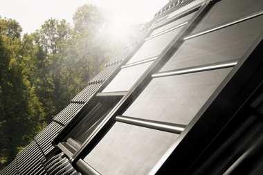 Nowa solarna markiza zaciemniająca VELUX