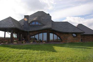Dach z łupków kamiennych