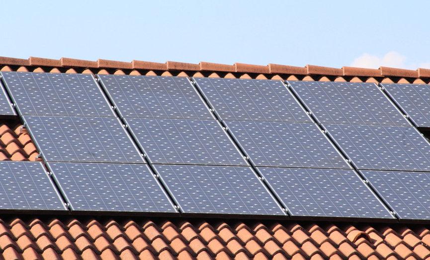 Przykład ekologicznej instalacji domowej - panele fotowoltaiczne
